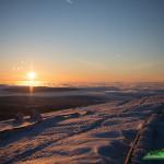Die letzten Sonnenstrahlen auf dem verschneiten Brocken – Wanderung und Fotografie